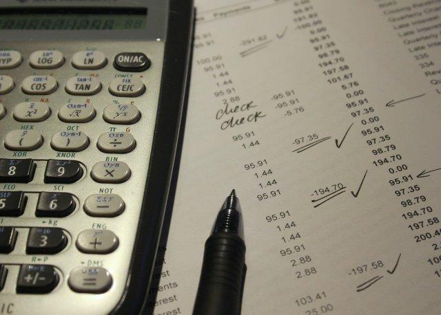 ¿Cómo puedo mejorar mi puntaje de crédito?